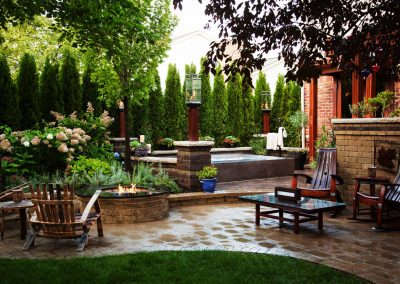Fire Pillars & Firepit – Troy, MI